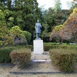 小村寿太郎候の銅像